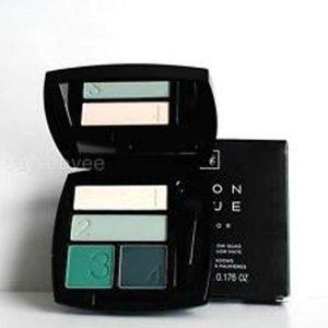 NIB*Avon True Quad Eyeshadow Palette - On the Vine